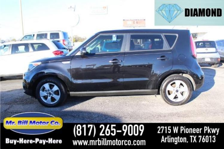 2018 BLACK Kia Soul Base 6A (KNDJN2A28J7) with an 1.6L L4 DOHC 16V engine, 6-Speed Automatic transmission, located at 2715 W Pioneer Pkwy, Arlington, TX, 76013, (817) 265-9009, 32.710262, -97.153236 - Photo #0