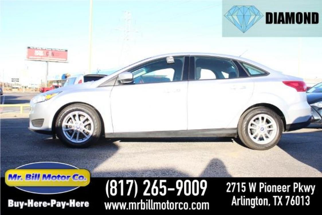 2018 Silver Ford Focus SE Sedan (1FADP3F25JL) with an 2.0L L4 DOHC 16V engine, located at 2715 W Pioneer Pkwy, Arlington, TX, 76013, (817) 265-9009, 32.710262, -97.153236 - Photo #0