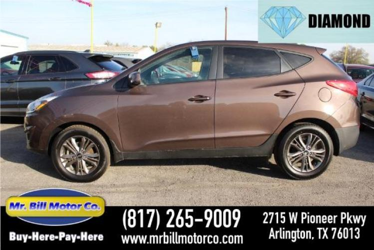 2014 BROWN Hyundai Tucson GL Auto FWD (KM8JT3AFXEU) with an 2.0L L4 DOHC 16V engine, 6-Speed Automatic transmission, located at 2715 W Pioneer Pkwy, Arlington, TX, 76013, (817) 265-9009, 32.710262, -97.153236 - Photo #0